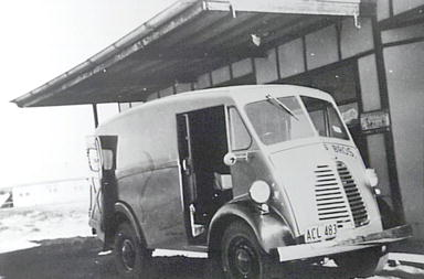 Chambers Bros Bakery delivery van