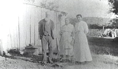 Lionel, Sarah & Albertina Hurry 1922